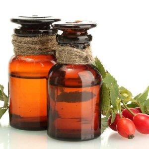 Масло шиповника: полезные свойства и применение